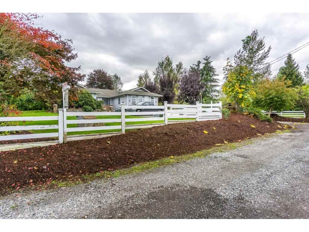 Main Photo: 6063 256 STREET in : County Line Glen Valley House for sale : MLS®# R2114126