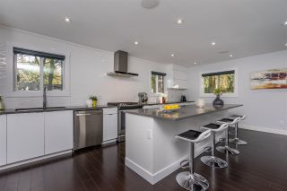 """Photo 6: 5844 ANGUS Place in Surrey: Cloverdale BC House for sale in """"Jersey Hills"""" (Cloverdale)  : MLS®# R2348924"""