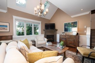 Photo 4: 3359 CHESTERFIELD Avenue in North Vancouver: Upper Lonsdale House for sale : MLS®# R2624884