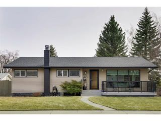 Photo 1: 6224 LONGMOOR Way SW in Calgary: Lakeview House for sale