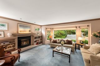 Photo 3: 988 Seapearl Pl in : SE Cordova Bay House for sale (Saanich East)  : MLS®# 862279