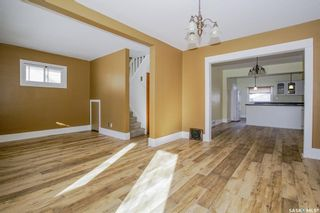 Photo 1: 206 31st Street West in Saskatoon: Caswell Hill Residential for sale : MLS®# SK803307