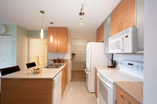 Photo 3: 710 928 HOMER STREET in Vancouver: Yaletown Condo for sale (Vancouver West)  : MLS®# R2429120