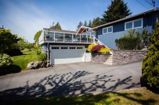 """Photo 2: 16087 9 Avenue in Surrey: King George Corridor House for sale in """"McNally Creek"""" (South Surrey White Rock)  : MLS®# R2579214"""