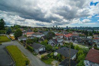 Photo 18: 3810 PENDER STREET in Burnaby North: Home for sale : MLS®# R2095251