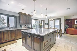 Photo 12: 136 Edelweiss Drive NW in Calgary: Edgemont Detached for sale : MLS®# A1127888