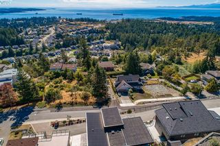 Photo 2: 3465 Fulton Rd in VICTORIA: Co Triangle House for sale (Colwood)  : MLS®# 790669