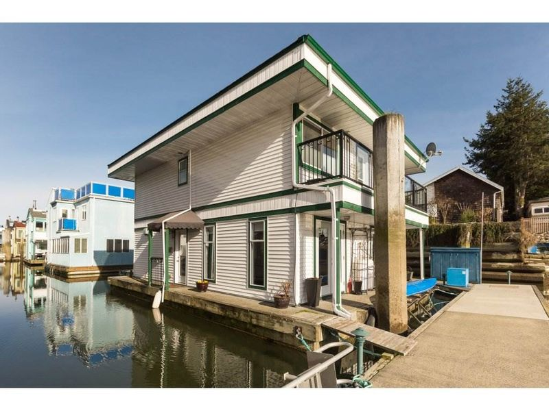 FEATURED LISTING: 3 - 3459 RIVER Road West Delta