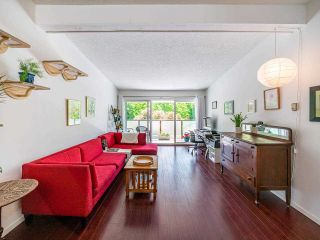 """Photo 11: 412 2333 TRIUMPH Street in Vancouver: Hastings Condo for sale in """"LANDMARK MONTEREY"""" (Vancouver East)  : MLS®# R2582065"""