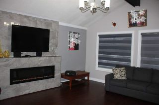 Photo 6: 8886 URSUS Crescent in Surrey: Bear Creek Green Timbers House for sale : MLS®# R2222049