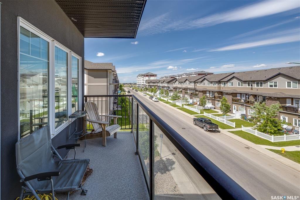 Main Photo: 310 702 Hart Road in Saskatoon: Blairmore Residential for sale : MLS®# SK871831