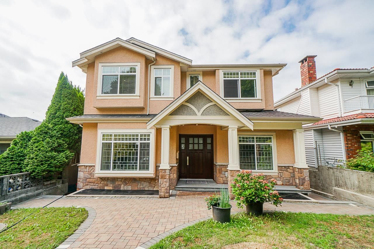Main Photo: 3578 MONMOUTH Avenue in Vancouver: Collingwood VE House for sale (Vancouver East)  : MLS®# R2611413