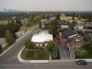 Photo 4: 23 CORNWALLIS Drive NW in Calgary: Cambrian Heights House for sale : MLS®# C4136794