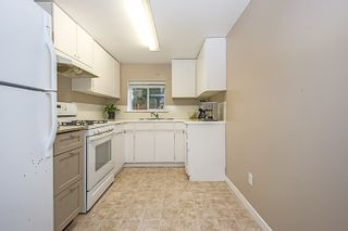 Photo 10: 412 DRAYCOTT Street in Coquitlam: Central Coquitlam House for sale : MLS®# R2034176