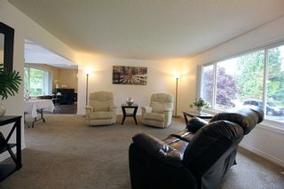 """Photo 3: 19921 46 Avenue in Langley: Langley City House for sale in """"Mason Heights"""" : MLS®# R2281158"""