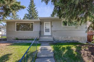 Main Photo: 5228 Brisebois Drive NW in Calgary: Charleswood Detached for sale : MLS®# A1115287