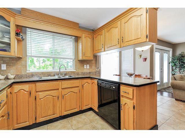 "Photo 9: Photos: 8896 159A Street in Surrey: Fleetwood Tynehead House for sale in ""FLEETWOOD"" : MLS®# F1410256"