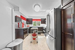 """Photo 4: 302 2963 BURLINGTON Drive in Coquitlam: North Coquitlam Condo for sale in """"Burlington Estates"""" : MLS®# R2601586"""