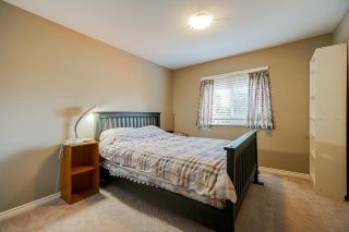 """Photo 15: 6955 196A Street in Langley: Willoughby Heights House for sale in """"Camden Park"""" : MLS®# R2446076"""
