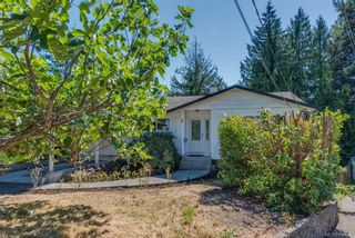 Photo 1: 973 Weaver Pl in Langford: La Walfred House for sale : MLS®# 850635