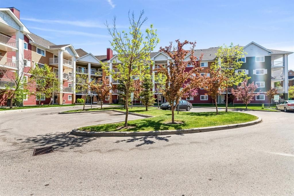 Main Photo: 2407 10 Prestwick Bay SE in Calgary: McKenzie Towne Apartment for sale : MLS®# A1115067