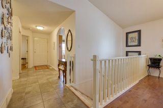 Photo 5: 198 OEMING Road in Edmonton: Zone 14 House Half Duplex for sale : MLS®# E4255355