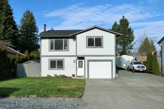 Photo 3: 19917 47A Avenue in Langley: Langley City House for sale : MLS®# R2531023