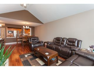 Photo 7: 309 20600 53A AVENUE in Langley: Langley City Condo for sale : MLS®# R2146902