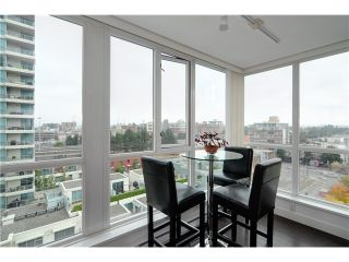 """Photo 6: 901 120 MILROSS Avenue in Vancouver: Mount Pleasant VE Condo for sale in """"THE BRIGHTON"""" (Vancouver East)  : MLS®# V976401"""