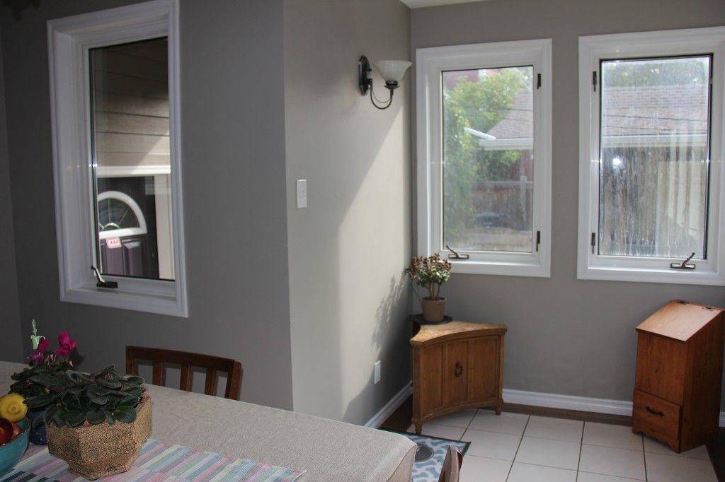 Photo 7: Photos: : Residential for sale : MLS®# 1718337
