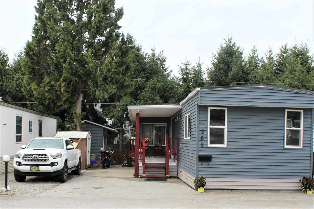 "Main Photo: 269 201 CAYER Street in Coquitlam: Maillardville Manufactured Home for sale in ""WILDWOOD PARK"" : MLS®# R2431974"
