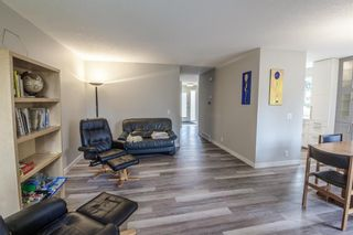 Photo 10: 24 Coachway Green SW in Calgary: Coach Hill Row/Townhouse for sale : MLS®# A1104483