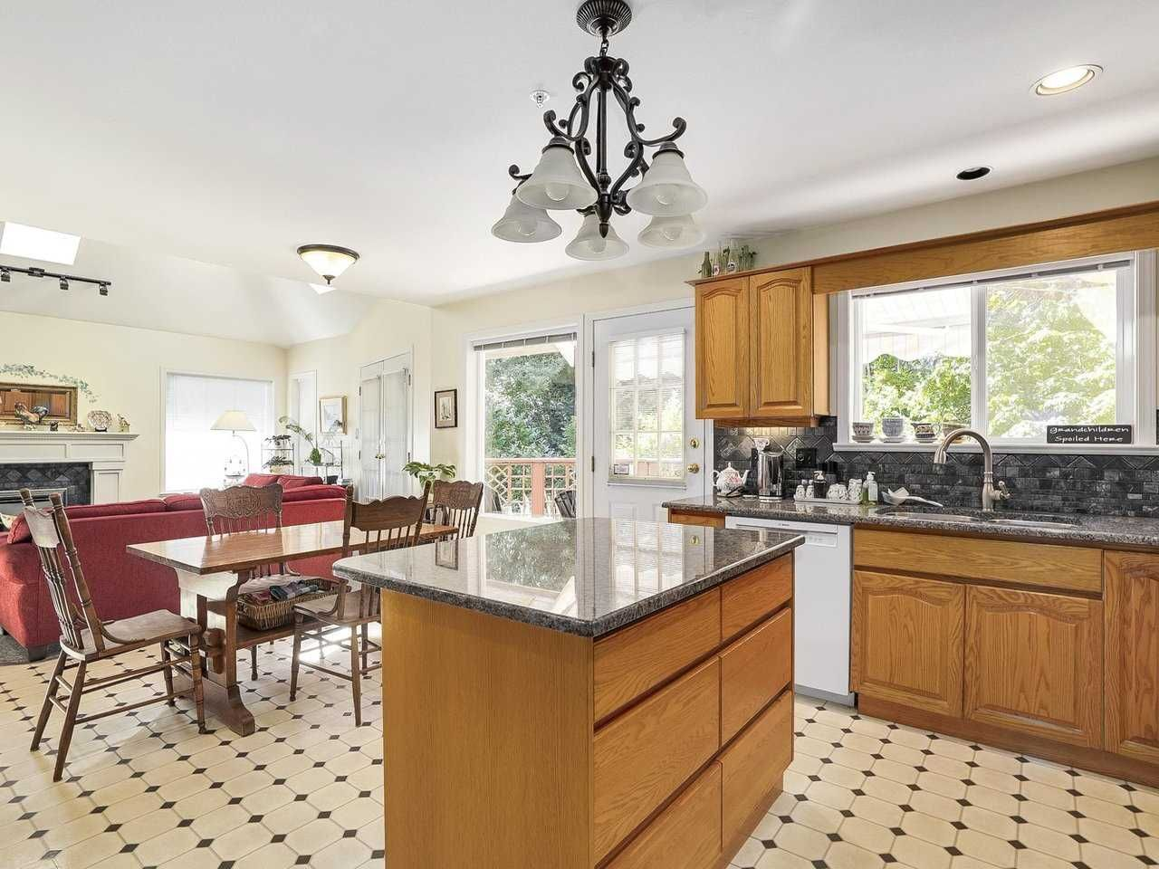 Photo 3: Photos: 1788 GORDON Avenue in West Vancouver: Ambleside House for sale : MLS®# R2207715