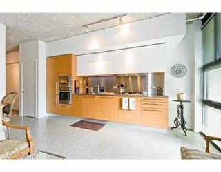 """Photo 8: 104 388 W 1ST Avenue in Vancouver: False Creek Condo for sale in """"THE EXCHANGE"""" (Vancouver West)  : MLS®# V979976"""