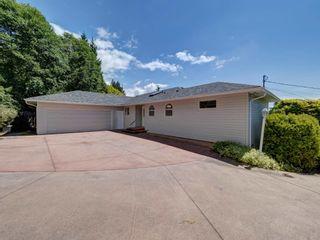 Photo 5: 6196 BAILLIE Road in Sechelt: Sechelt District House for sale (Sunshine Coast)  : MLS®# R2593988