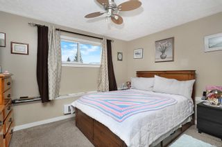 Photo 5: 680 23rd St in Courtenay: CV Courtenay City Full Duplex for sale (Comox Valley)  : MLS®# 871256