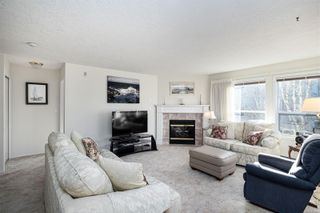 Photo 2: 203 9945 Fifth St in : Si Sidney North-East Condo for sale (Sidney)  : MLS®# 866433