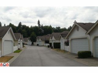 "Photo 2: 109 9208 208TH Street in Langley: Walnut Grove Townhouse for sale in ""Churchill Park"" : MLS®# F1221080"