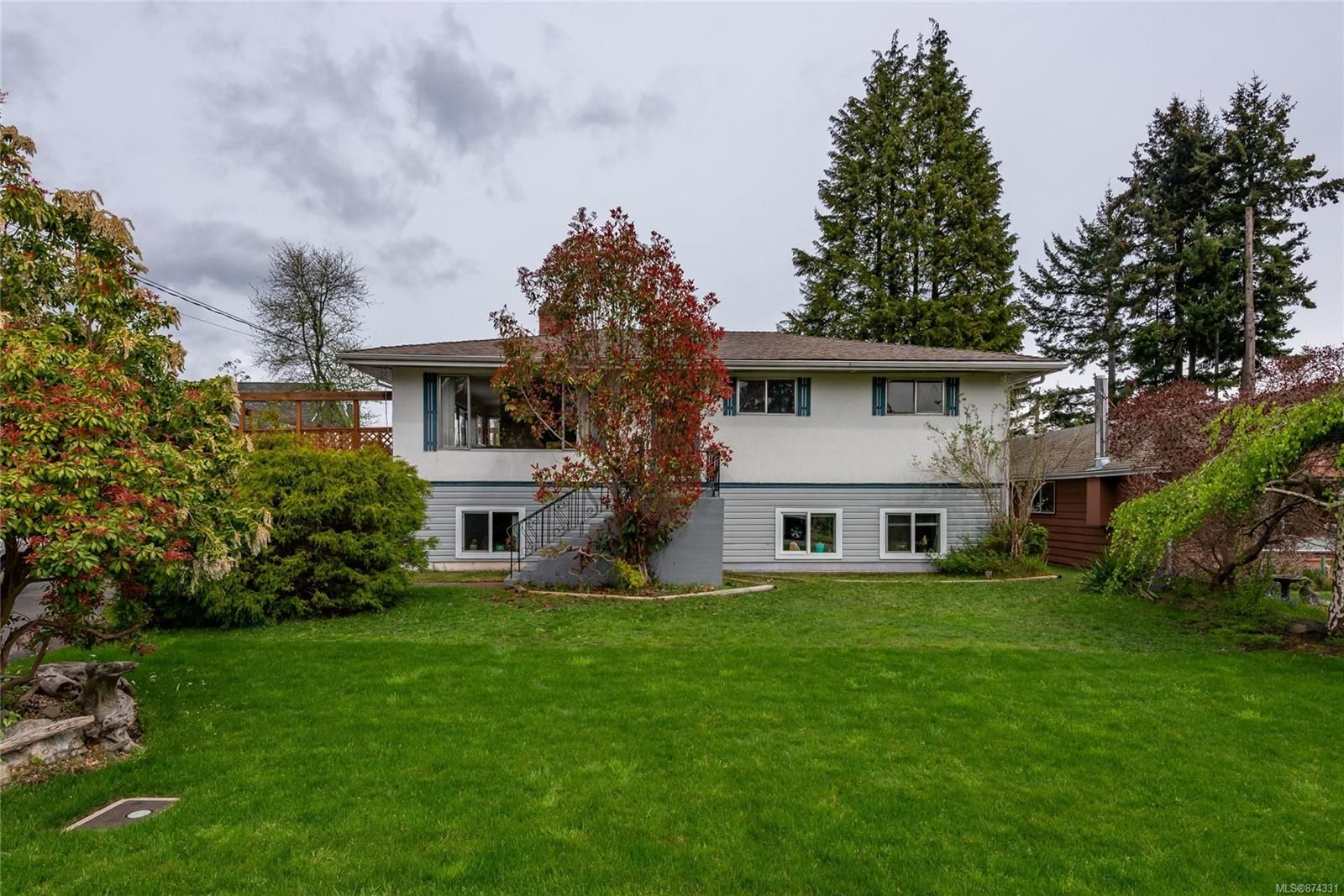 Main Photo: 262 Wayne Rd in : CR Willow Point House for sale (Campbell River)  : MLS®# 874331