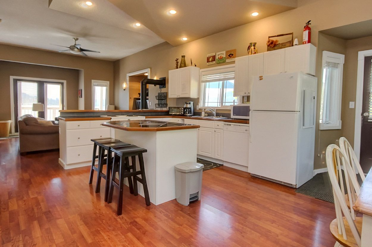 Photo 9: Photos: 2022 Eagle Bay Road: Blind Bay House for sale (South Shuswap)  : MLS®# 10202297