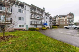 "Photo 2: 401 46033 CHILLIWACK CENTRAL Road in Chilliwack: Chilliwack E Young-Yale Condo for sale in ""HAZELDENE"" : MLS®# R2423271"