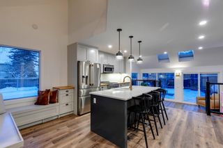 Photo 2: 2801 7 Avenue NW in Calgary: West Hillhurst Detached for sale : MLS®# A1128388