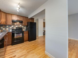 Photo 6: 25 Silverdale PL NW in Calgary: Silver Springs House for sale : MLS®# C4290404