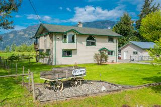 Photo 1: 5063 BOUNDARY Road in Abbotsford: Sumas Prairie House for sale : MLS®# R2392598