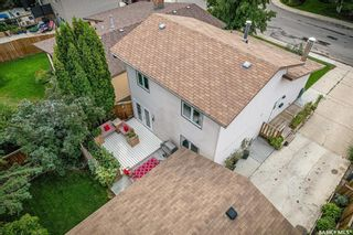 Photo 2: 327 Ball Crescent in Saskatoon: Silverwood Heights Residential for sale : MLS®# SK867296