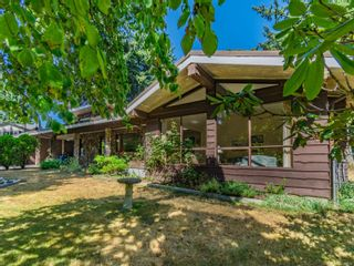 Photo 2: 2704 Lintlaw Rd in : Na Diver Lake House for sale (Nanaimo)  : MLS®# 884486