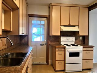 Photo 4: 818 B Avenue North in Saskatoon: Caswell Hill Residential for sale : MLS®# SK864184