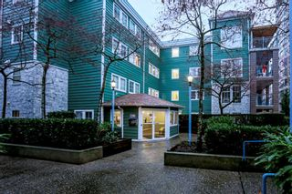 """Photo 18: 310 1199 WESTWOOD Street in Coquitlam: North Coquitlam Condo for sale in """"Lakeside Terrace"""" : MLS®# R2425254"""