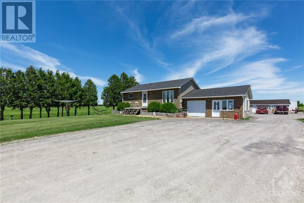 Main Photo: 899 STATION ROAD in Alfred: House for sale : MLS®# 1246693