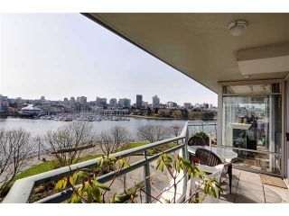 Photo 2: 507 1288 MARINASIDE Crest in Vancouver: Yaletown Condo for sale (Vancouver West)  : MLS®# V942487